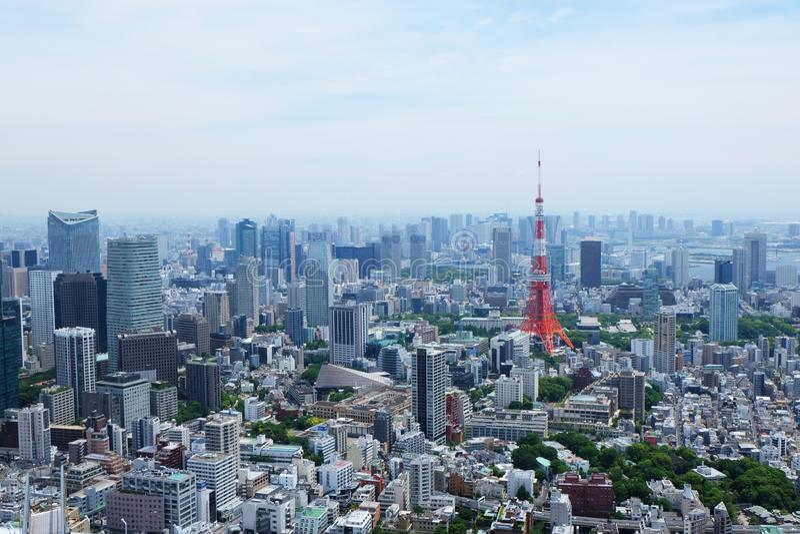 Tir aérien d'un bel horizon de Tokyo, Japon photos stock