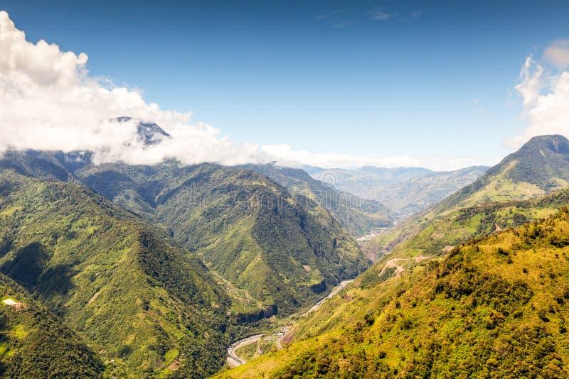 Tir aérien de paysage de vallée de Pastaza en Equateur images libres de droits