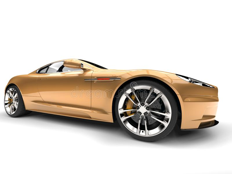 Tir automobile de plan rapproché de roue avant de sports de luxe modernes métalliques d'or illustration stock