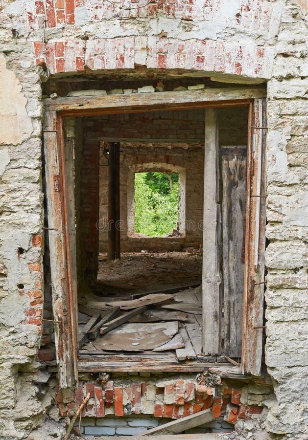 Tir d'un vieux bâtiment abandonné photographie stock