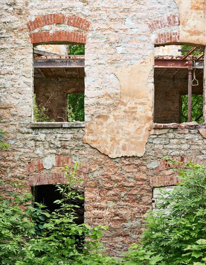 Tir d'un vieux bâtiment abandonné photo stock