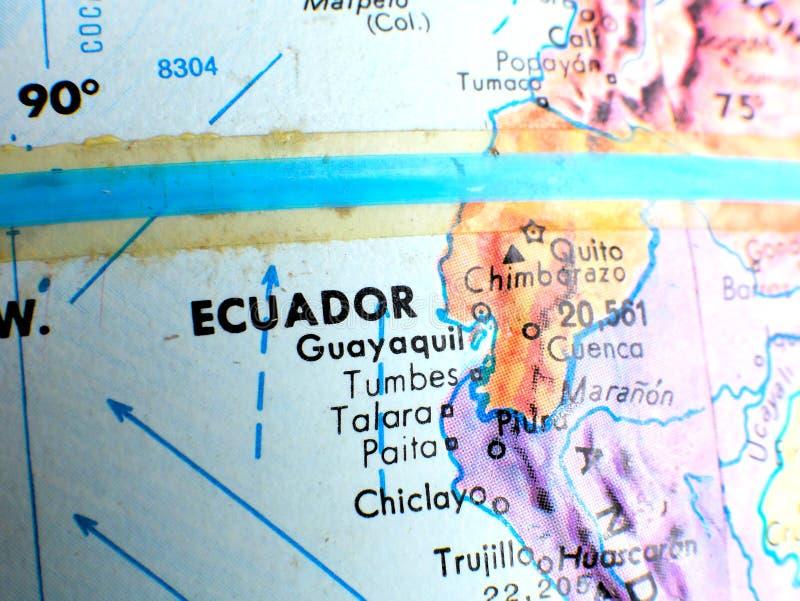 Tir de foyer d'équateur de l'Equateur macro sur la carte de globe pour des blogs de voyage, le media social, des bannières de sit photos stock