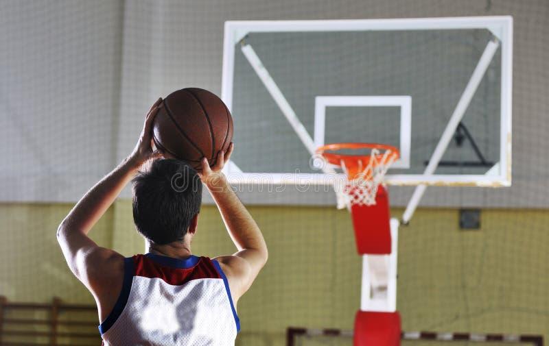 Tir de joueur de basket images libres de droits