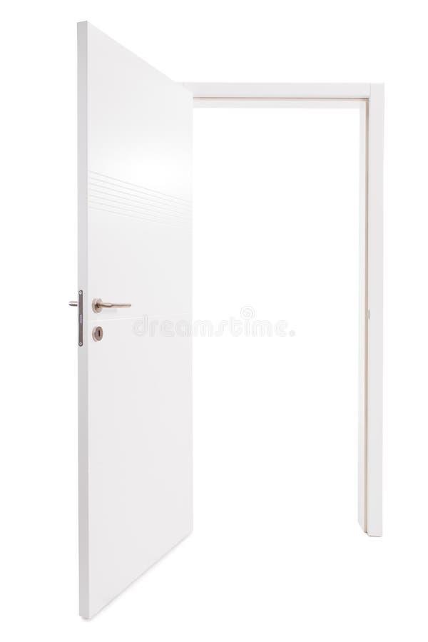 Tir de studio d'une porte ouverte en métal blanc images libres de droits