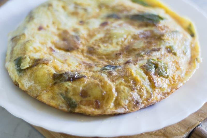 Tir espagnol d'omelette de pomme de terre photo libre de droits