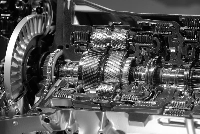 Tir haut étroit de transmission des véhicules à moteur images libres de droits