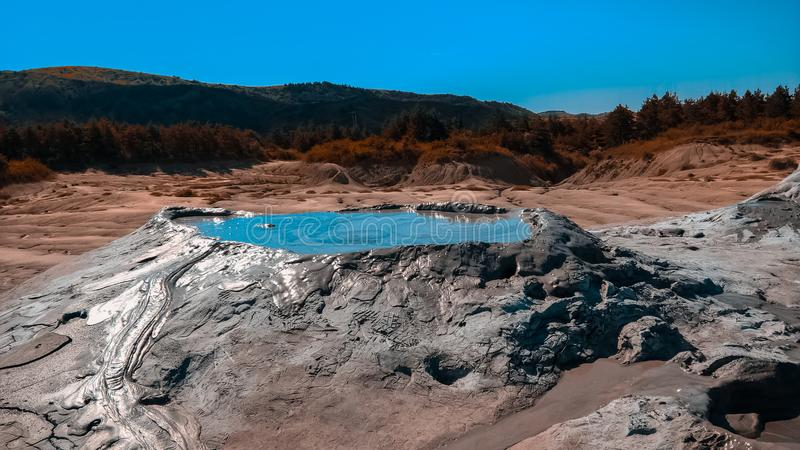 Tir intéressant d'un volcan de boue en volcans de boue de berca photo libre de droits