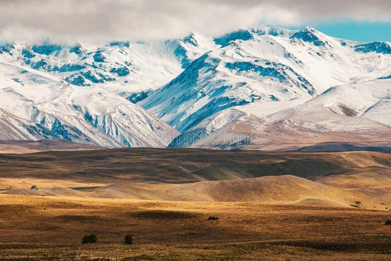 Tir scénique de paysage de montagne du Nouvelle-Zélande au cuisinier Nationa de bâti photos stock