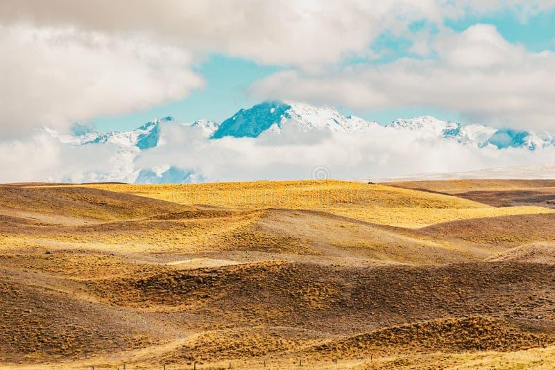 Tir scénique de paysage de montagne du Nouvelle-Zélande au cuisinier Nationa de bâti images libres de droits