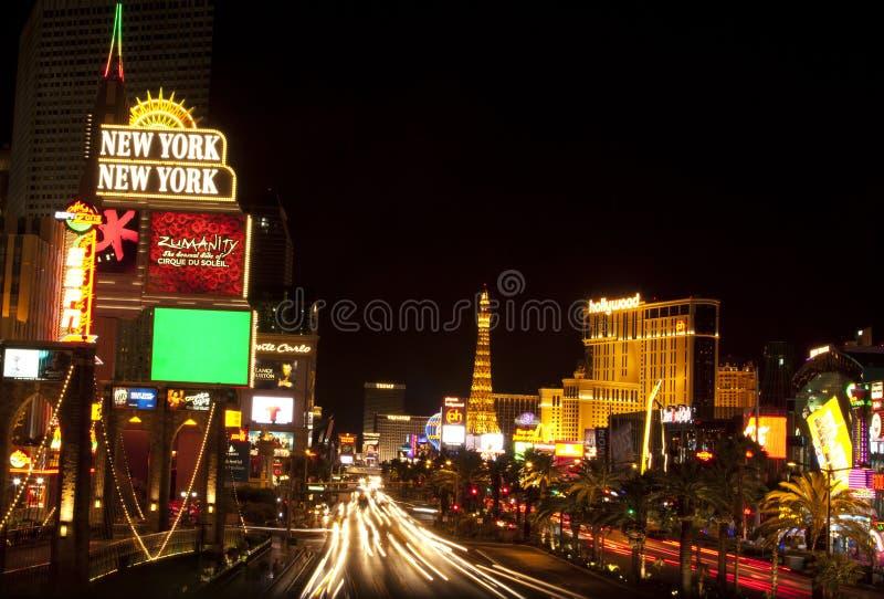 Tira de Las Vegas na noite fotografia de stock royalty free