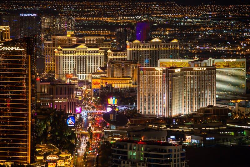 Tira de Las Vegas na noite imagem de stock