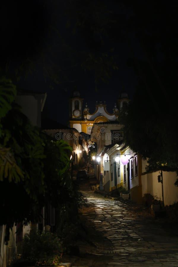 Tiradentes市和教会的MG视图Santo安东尼奥 免版税库存照片