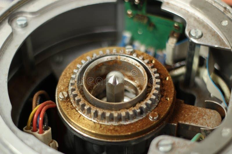 Tirado de la reparación de la amoladora de café del café express fotos de archivo libres de regalías