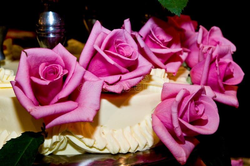 Tirado del pastel de bodas, decoración imagen de archivo libre de regalías