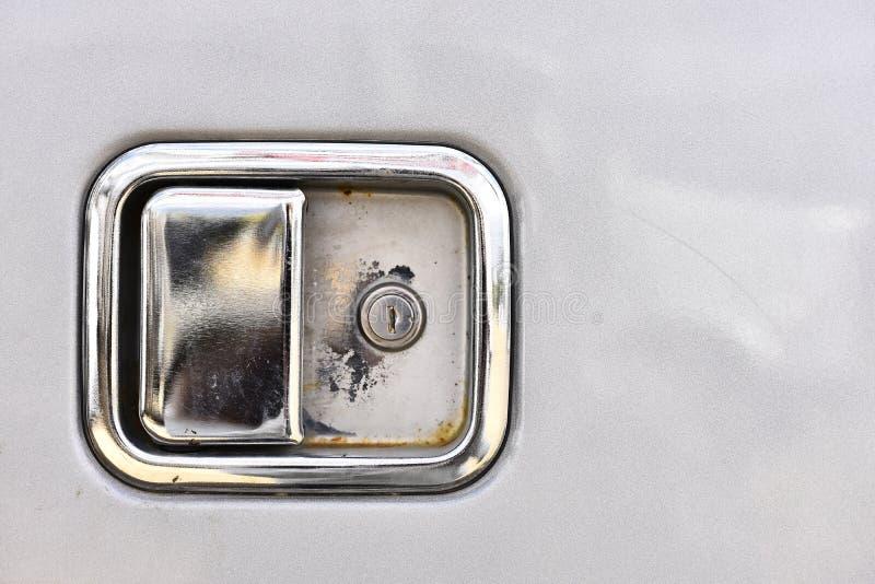 Tirador de puerta brillante del camión del metal imágenes de archivo libres de regalías
