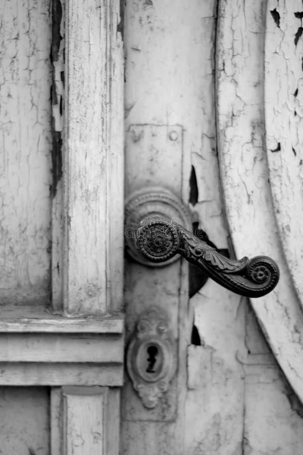 Tirador de puerta viejo fotos de archivo