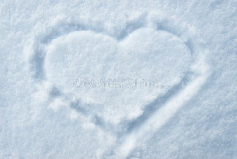 Download Tiraggio del cuore su smow immagine stock. Immagine di arte - 28615247