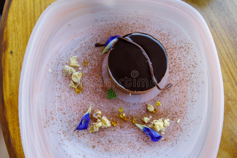 Tiramisukuchen auf der Platte, Manila lizenzfreie stockfotografie
