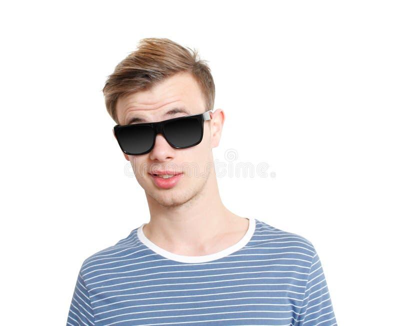Tirante freddo con gli occhiali da sole fotografia stock