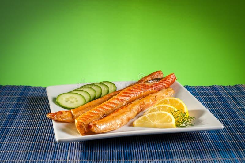 Download Tiras de salmón ahumado imagen de archivo. Imagen de crema - 44856875