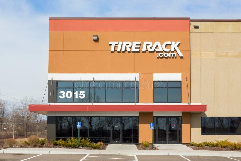 Tireack分配中心外部和商标 库存图片
