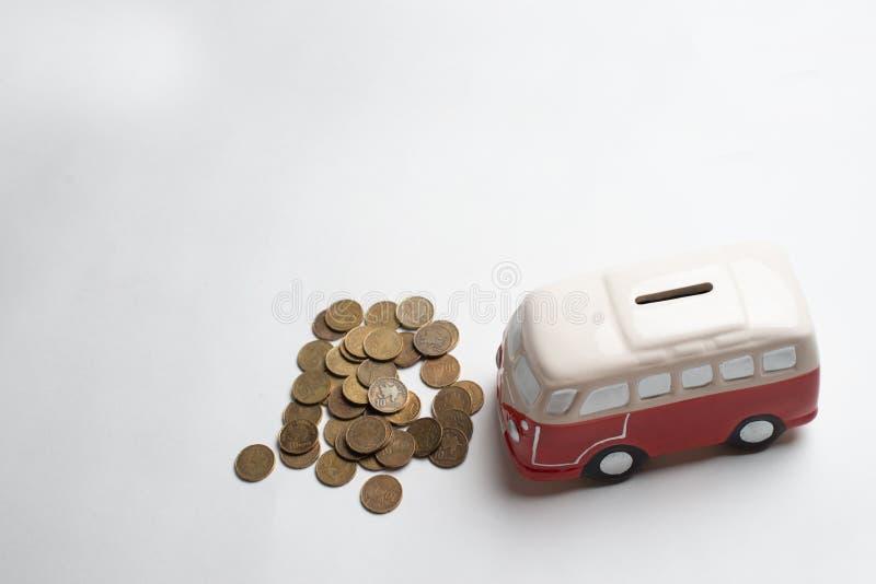 Tirelire rouge d'autobus photographie stock