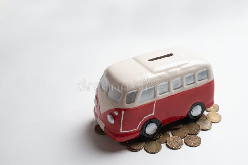 Tirelire rouge d'autobus images libres de droits