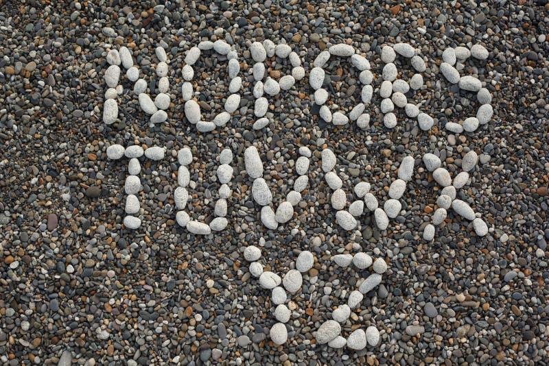 Tiri lettere dell 39 alfabeto fatte delle pietre bianche for Unito lettere