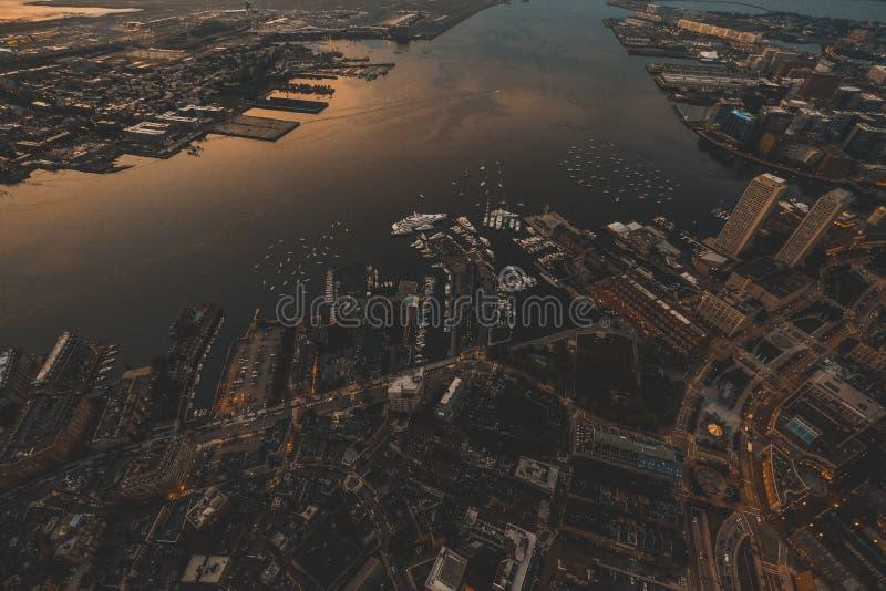 Tiro aéreo bonito da cidade urbana fotos de stock