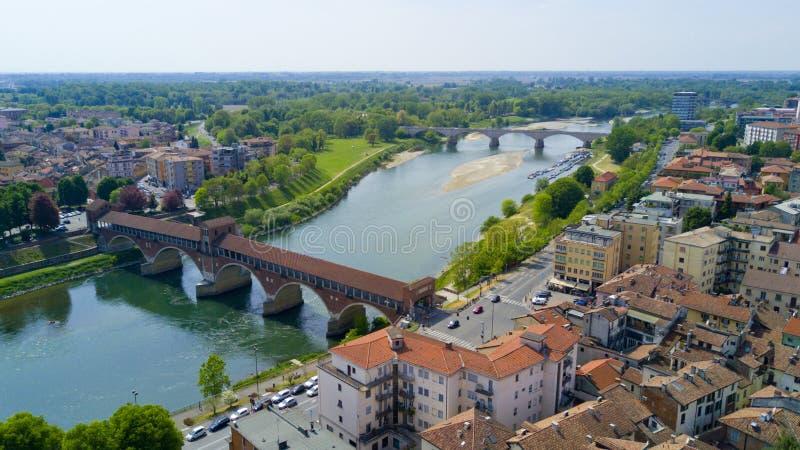 Tiro aéreo com o zangão em Pavia imagem de stock
