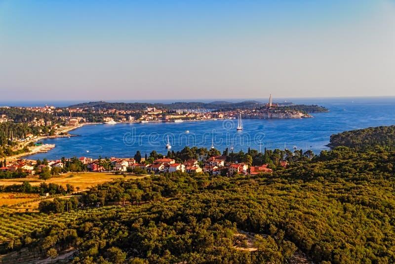 Tiro aéreo de Rovinj, Croatia fotos de stock