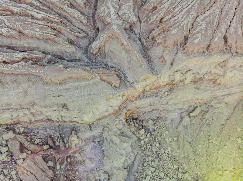 Tiro aéreo do vulcão de Ijen ou do Kawah Ijen na língua indonésia Vulcão famoso que contém o mais grande no imagem de stock