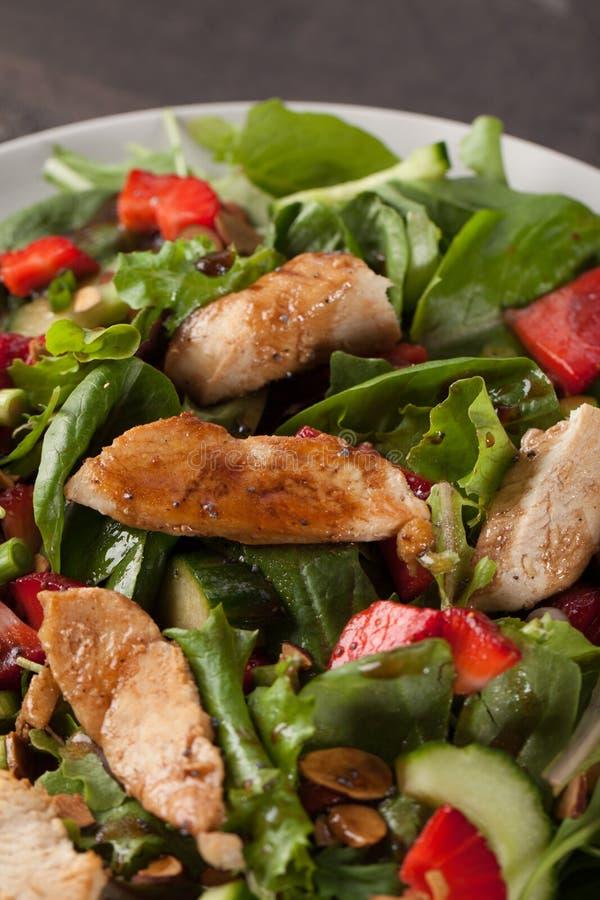 Tiro alaranjado do macro de Honey Balsamic Salad da morango imagem de stock royalty free