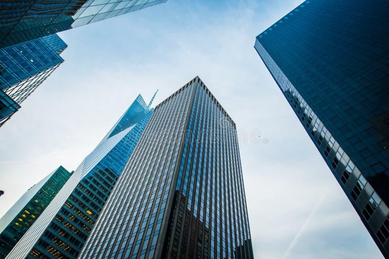 Tiro alto de los rascacielos imágenes de archivo libres de regalías