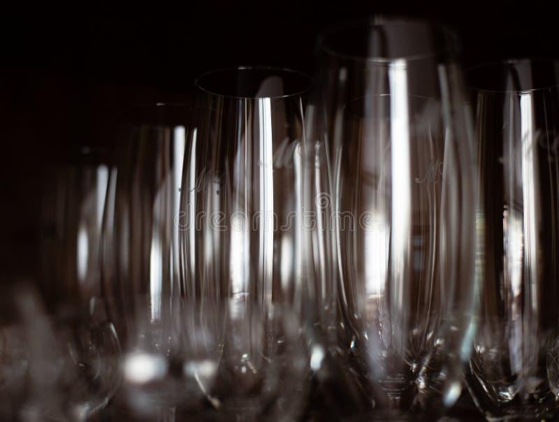 Tiro alto do vidro do champanhe ou do close up dos copos fotos de stock royalty free