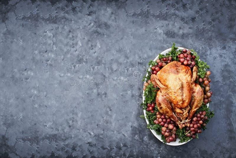 Tiro de arriba de la acción de gracias asada deliciosa Turquía fotos de archivo libres de regalías