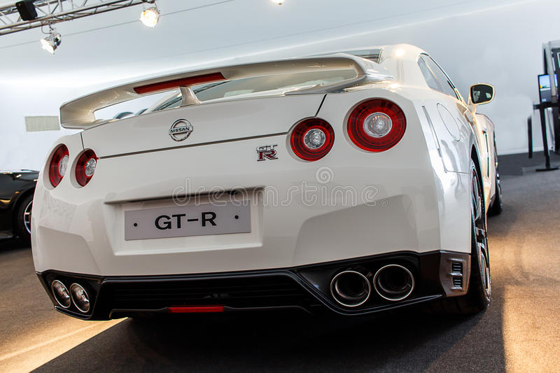 Tiro de la parte posterior de Nissan GT-R foto de archivo