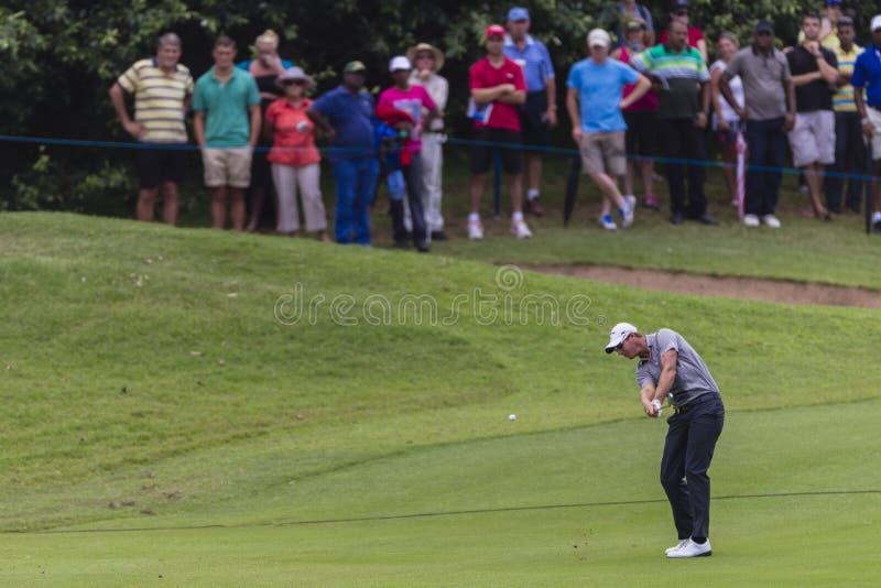 Tiro de N. Colsaerts Ferro do golfe pro imagem de stock royalty free