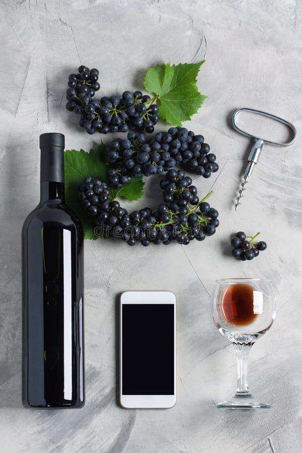 Tiro de pantalla del sitio web del servicio de aplicación del teléfono móvil de la marca del vino l fotografía de archivo libre de regalías