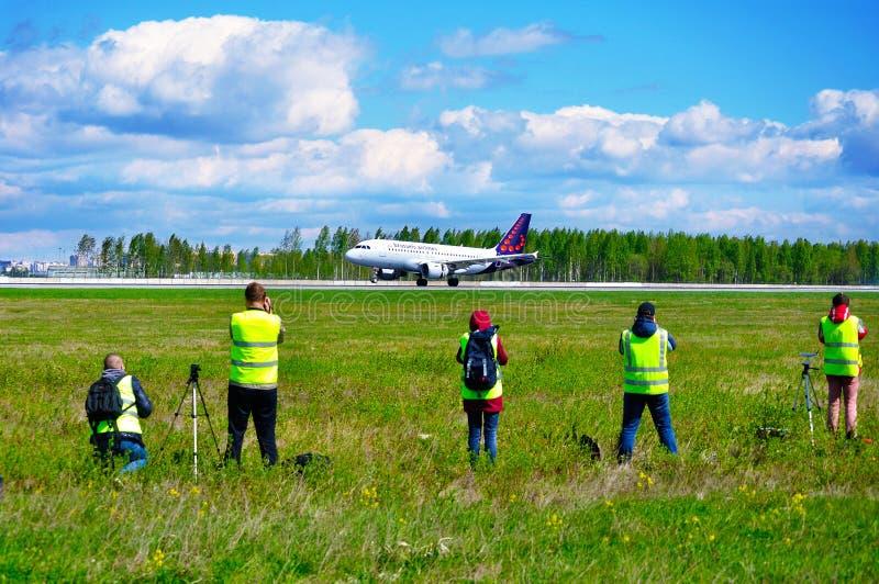 Tiro di fan di macchia l'aeroplano di linee aeree di Brussel alla macchia tradizionale ufficiale per il photograp professionale e immagine stock libera da diritti