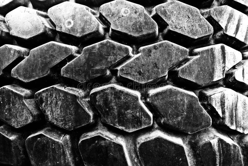 Tiro frontal de Autoreifen em preto e branco imagem de stock royalty free