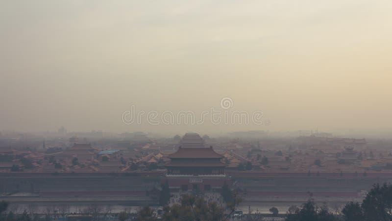 Tiro horizontal do ângulo alto e largo da Cidade Proibida no Pequim imagens de stock