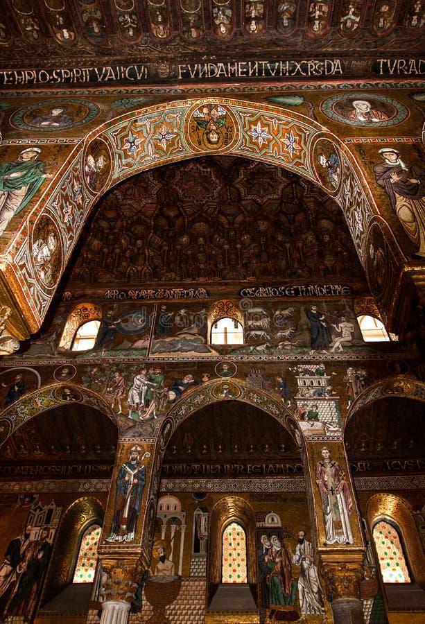 Tiro interior del Cappella famoso Palatina en Sicilia imagen de archivo libre de regalías
