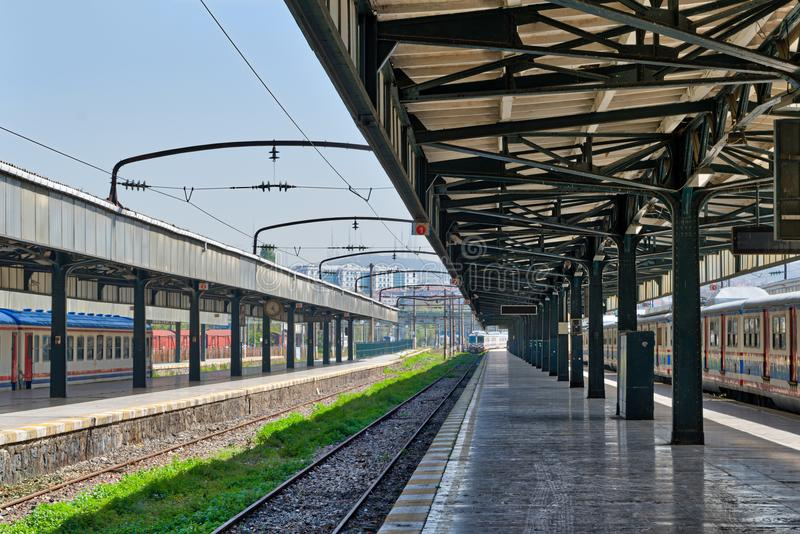 Tiro interior do terminal Railway de Haydarpasha, Kadikoy, Istambul, Turquia fotografia de stock