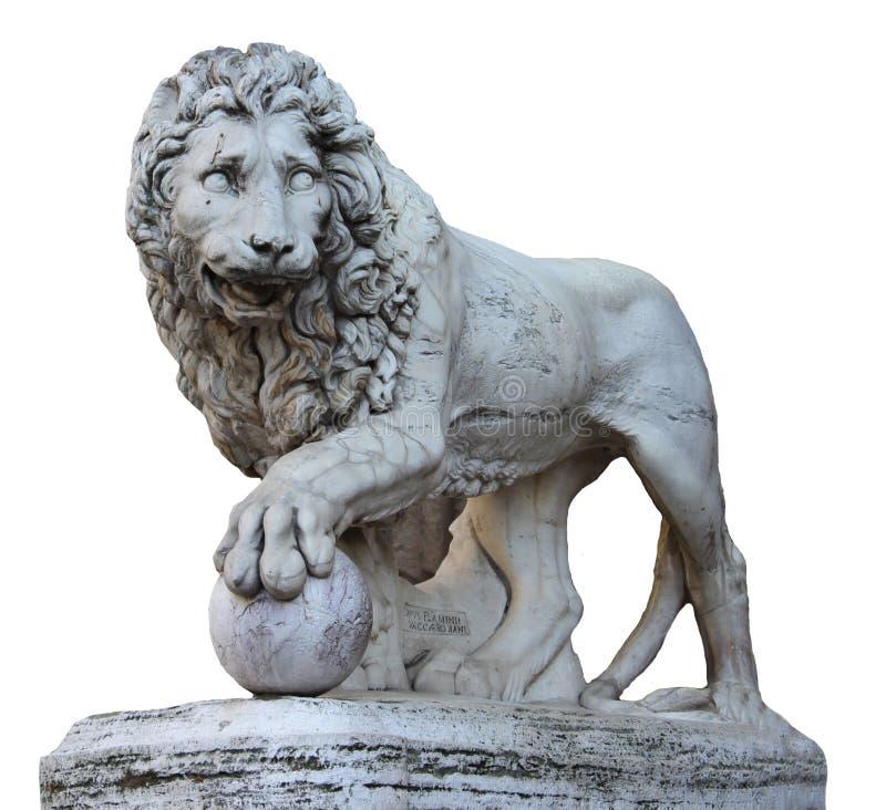 Tiro isolado para a figura colorida verde velha escultura do leão do renascimento da mitologia em Florença fotos de stock royalty free