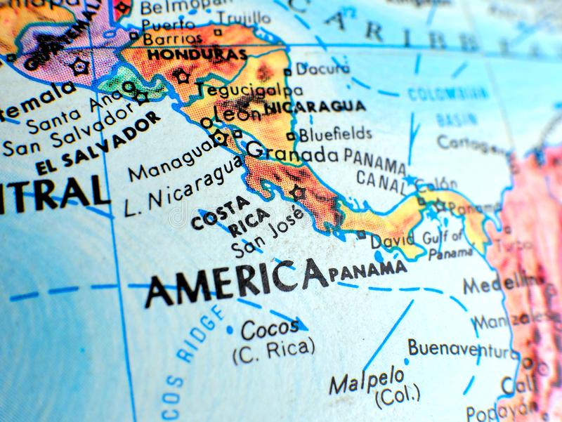 Tiro macro del foco de Costa Rica Central America en el mapa del globo para los blogs del viaje, los medios sociales, las bandera fotografía de archivo