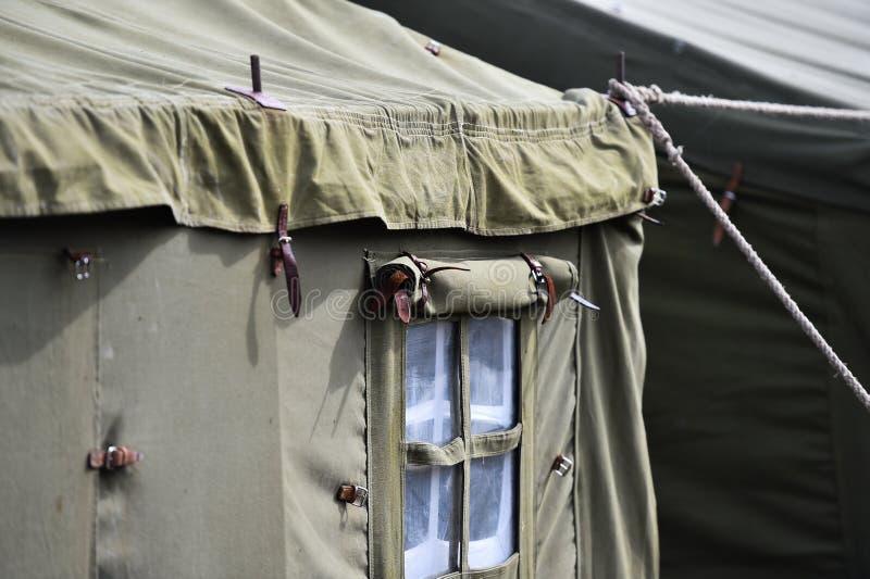 Tiro militar verde do detalhe da barraca foto de stock royalty free