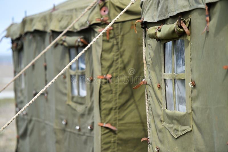 Tiro militar verde do detalhe da barraca imagens de stock royalty free