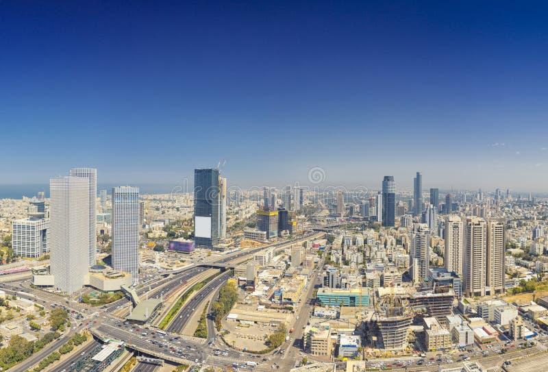 Tiro panorâmico do telefone Aviv And Ramat Gan Skyline imagem de stock royalty free