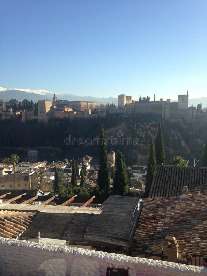 Tiro que sorprende opiniones de Alhambra, Granada del top imágenes de archivo libres de regalías